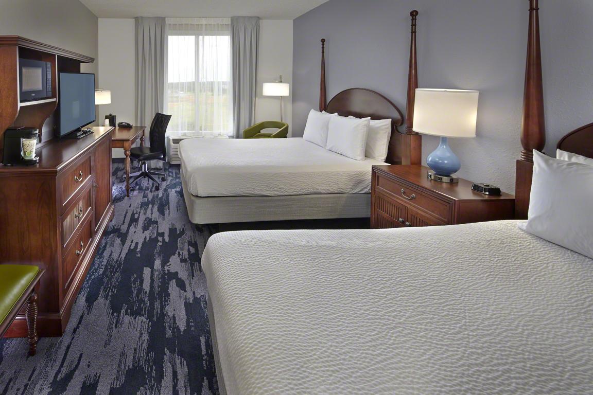 Queen Bed Room Standard